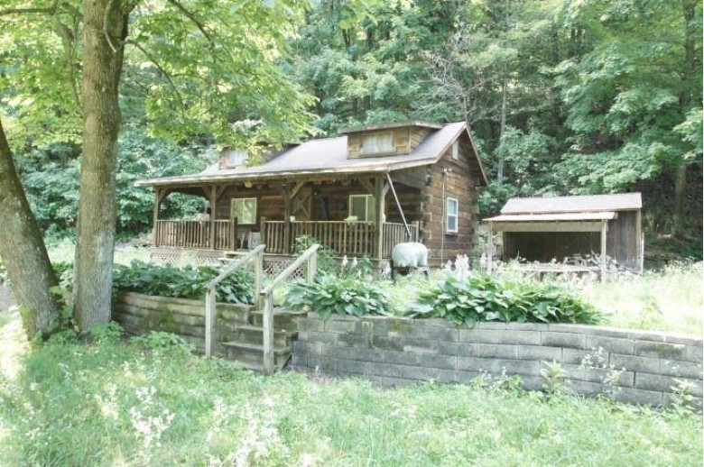 3150 Hunter Hollow Rd, Dodgeville, WI by Potterton-Rule Inc $220,000