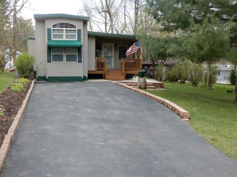 474 Westview Ct, Edgerton, WI by Pat'S Realty Inc $142,000