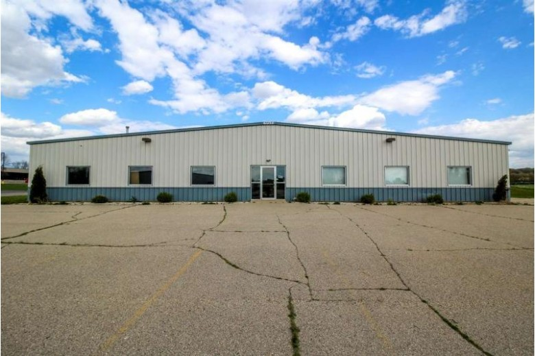 860 N Parkway St Jefferson, WI 53549 by First Weber Real Estate $599,900