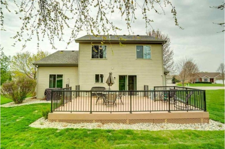 800 Sunnybrook Dr DeForest, WI 53532 by Re/Max Preferred $369,900