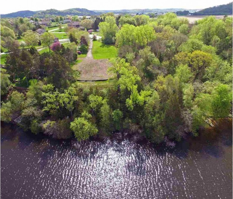 W14252 Selwood Dr Prairie Du Sac, WI 53578-9526 by First Weber Real Estate $485,000