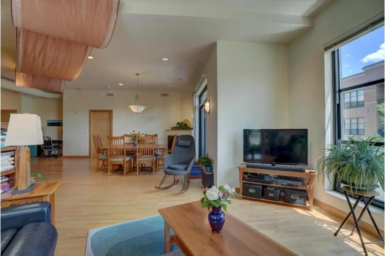 615 W Main St 310 Madison, WI 53703 by Openhomes Inc. $519,000
