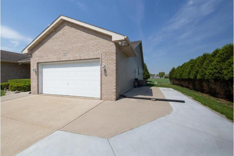 714 N Votech Dr Watertown, WI 53098 by Century 21 Affiliated $275,000