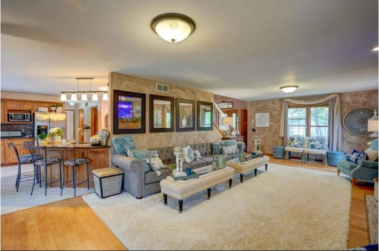 7260 Mile Rd Sun Prairie, WI 53590 by First Weber Real Estate $589,900