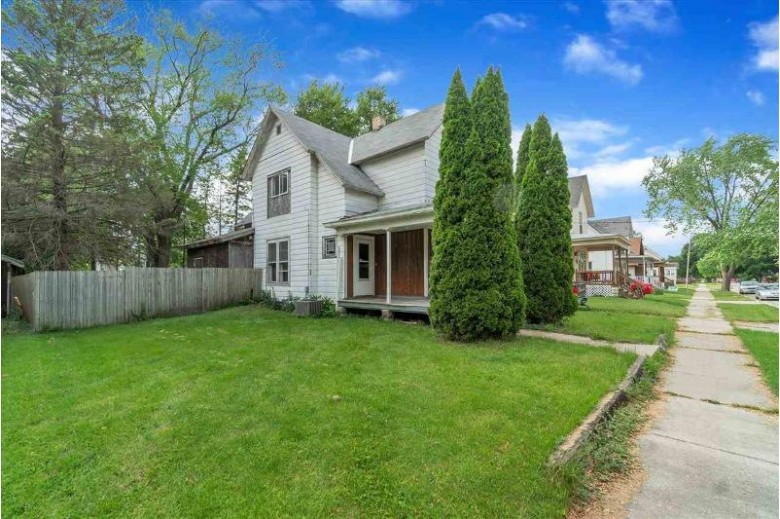 615 Eisenhower Ave, Janesville, WI by First Weber Real Estate $115,000