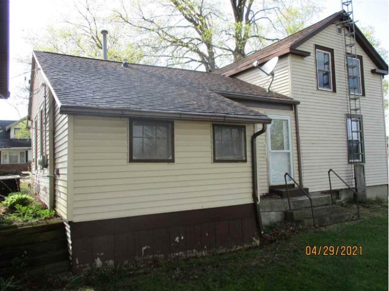 5740 Main St Gratiot, WI 53541 by First Weber Real Estate $89,900