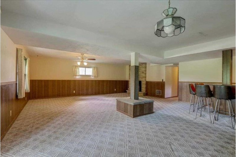 687 N Perry Prkwy Oregon, WI 53575 by Century 21 Affiliated $350,000
