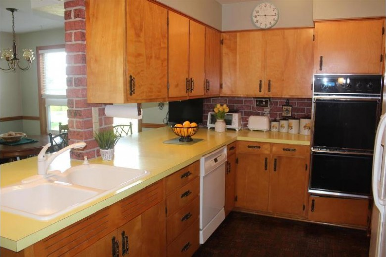 395 Ridge Ave, Platteville, WI by All American Real Estate, Llc $229,000