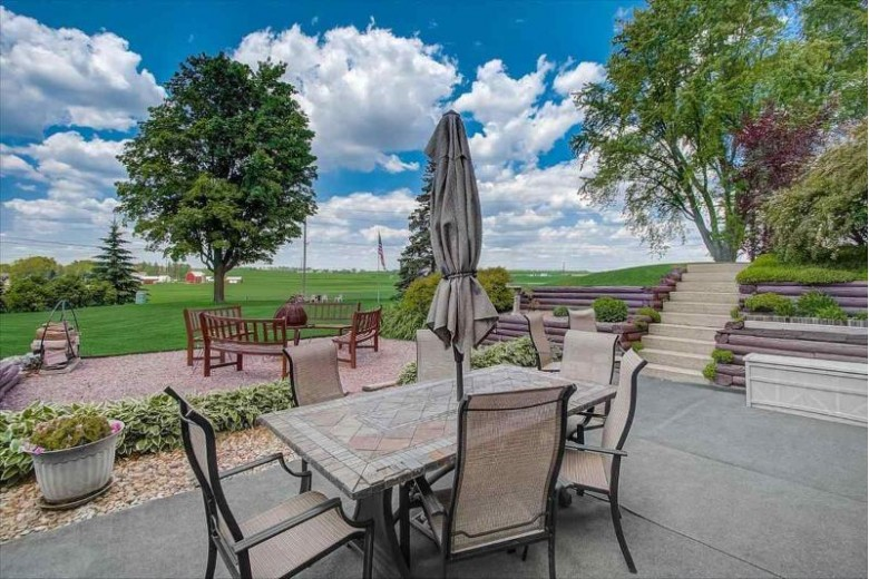 502 High St Dane, WI 53529 by Re/Max Preferred $350,000