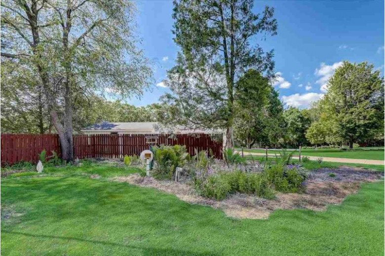 E11071 Maple Park Dr Prairie Du Sac, WI 53578 by First Weber Real Estate $264,900