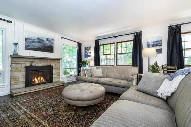 810 Farwell Dr Madison, WI 53704 by Sprinkman Real Estate $795,000