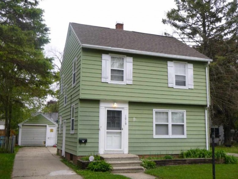 1019 Cleveland St Beloit, WI 53511 by Century 21 Affiliated $114,900