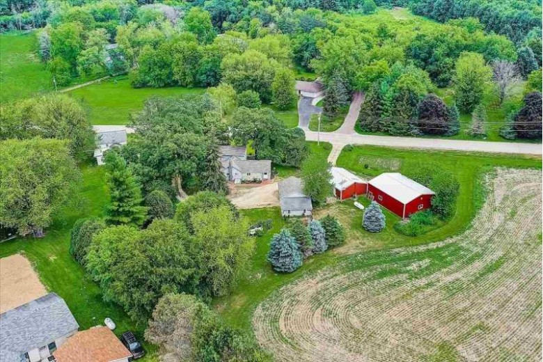 4471 Old Stage Rd Brooklyn, WI 53521 by Realty Executives Cooper Spransy $350,000
