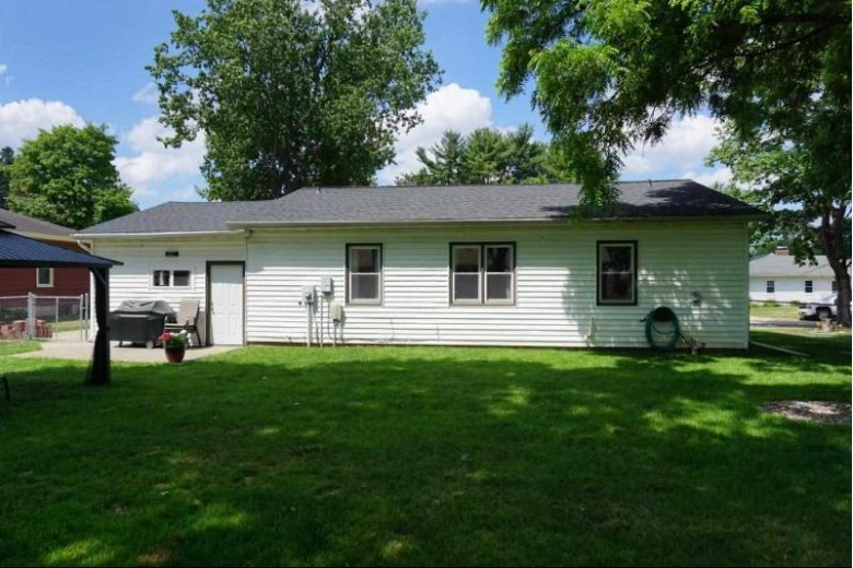 738 N Park St, Reedsburg, WI by Evergreen Realty Inc $189,900