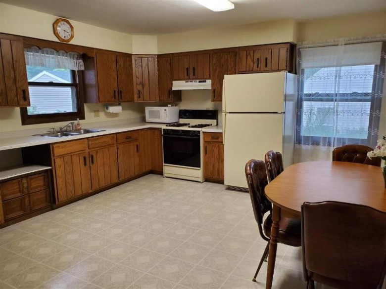 211 E Hiawatha Dr, Wisconsin Dells, WI by First Weber Real Estate $164,900