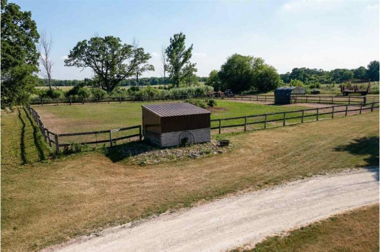 S75W35621 Wilton Rd Eagle, WI 53119 by Platner Realty $3,699,000