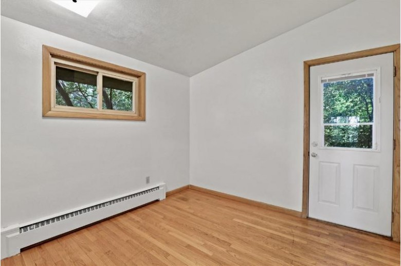 1719 Carver St Madison, WI 53713 by Realty Executives Cooper Spransy $325,000