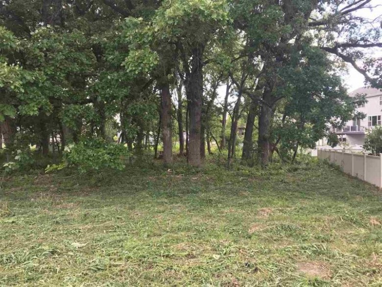 1182 O'Keeffe Ave Sun Prairie, WI 53590 by First Weber Real Estate $95,000