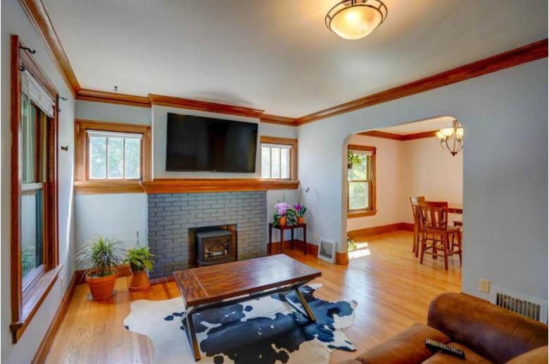 405 Welch Ave Madison, WI 53704 by Stark Company, Realtors $350,000