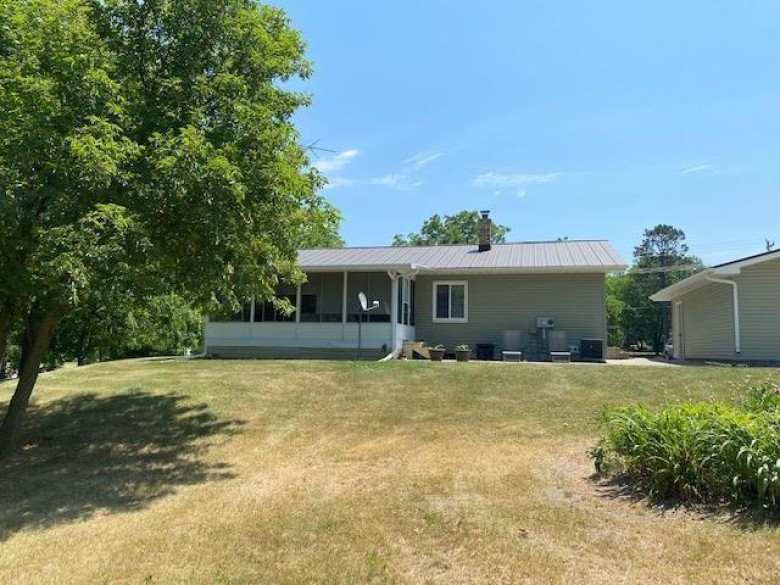 412 S Oakwood St Tomah, WI 54660 by First Weber Real Estate $189,900