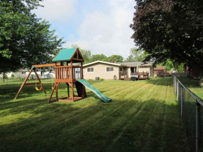 1802 Ontario Dr, Janesville, WI by Century 21 Affiliated $189,900