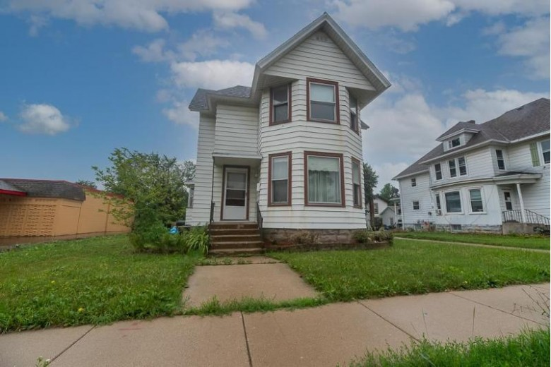 1415 W Court St, Janesville, WI by Century 21 Affiliated $134,900