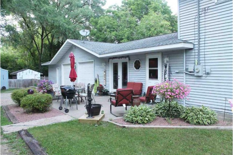 105 E Park St Montello, WI 53949-0000 by First Weber Real Estate $255,000