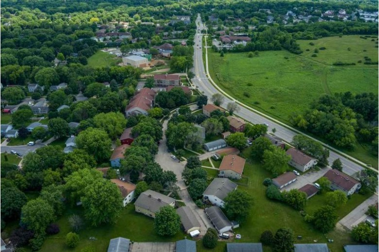 49 Park Heights Ct Madison, WI 53711 by Rock Realty $500,000