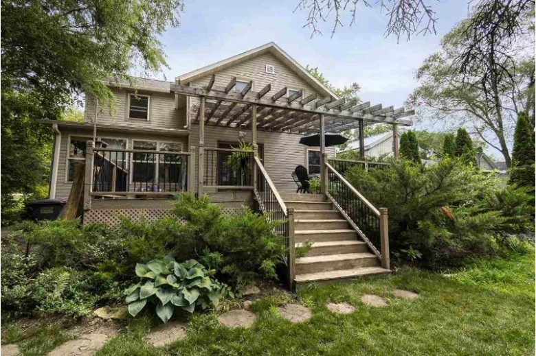 800 Dunkirk Ave Stoughton, WI 53589 by Sprinkman Real Estate $239,900