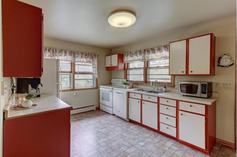 201 Merchant St, Cambridge, WI by Keller Williams Realty Signature $207,500