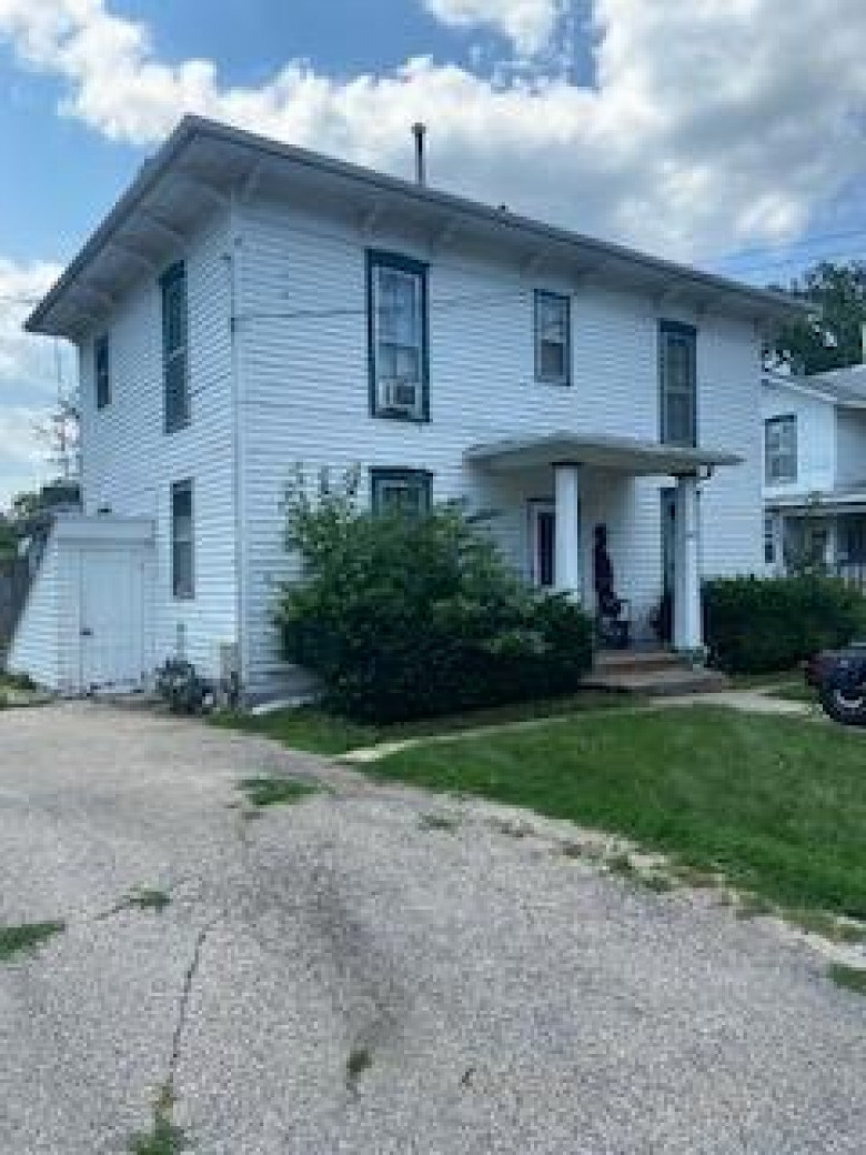453 N Washington St, Janesville, WI by First Weber Real Estate $139,900