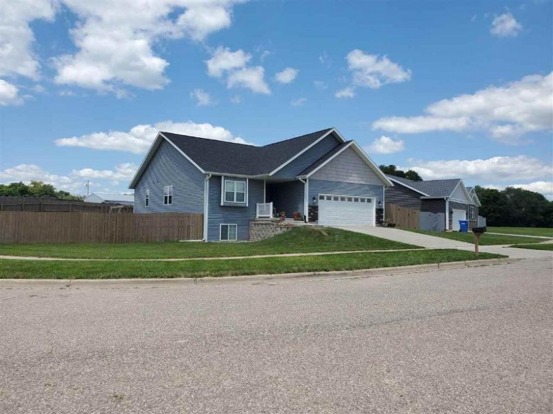 308 Lisa Ct Baraboo, WI 53913 by First Weber Real Estate $349,900