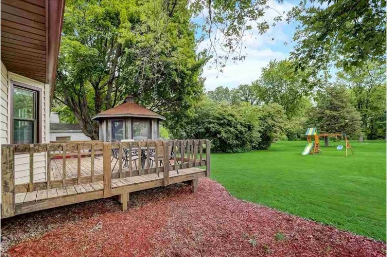 625 Pony Ln Sun Prairie, WI 53590 by First Weber Real Estate $305,000