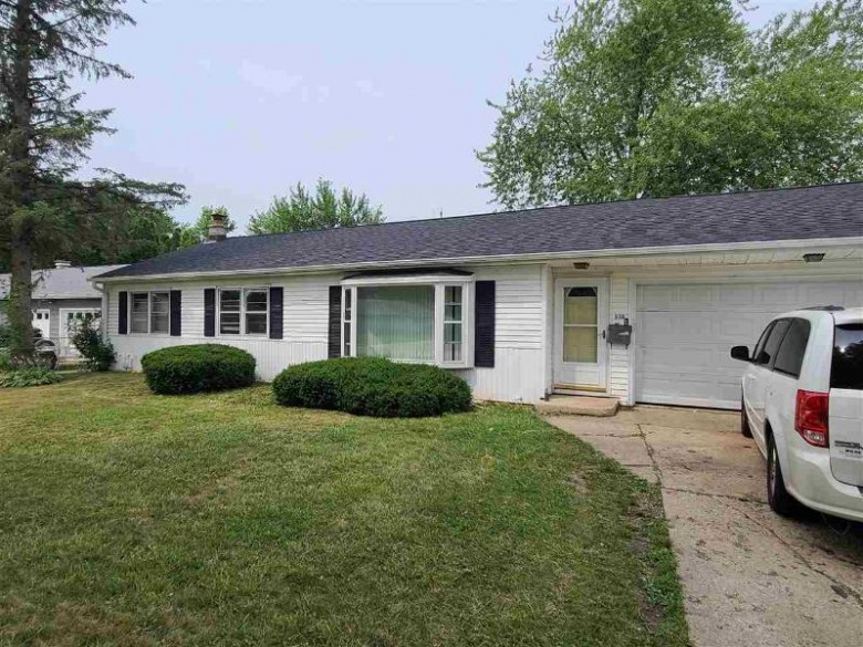 535 N Arch St Janesville, WI 53548 by First Weber Real Estate $149,900