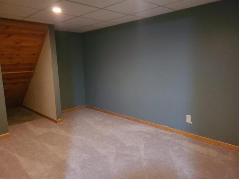 1925 W Memorial Dr Janesville, WI 53548 by First Weber Real Estate $229,000