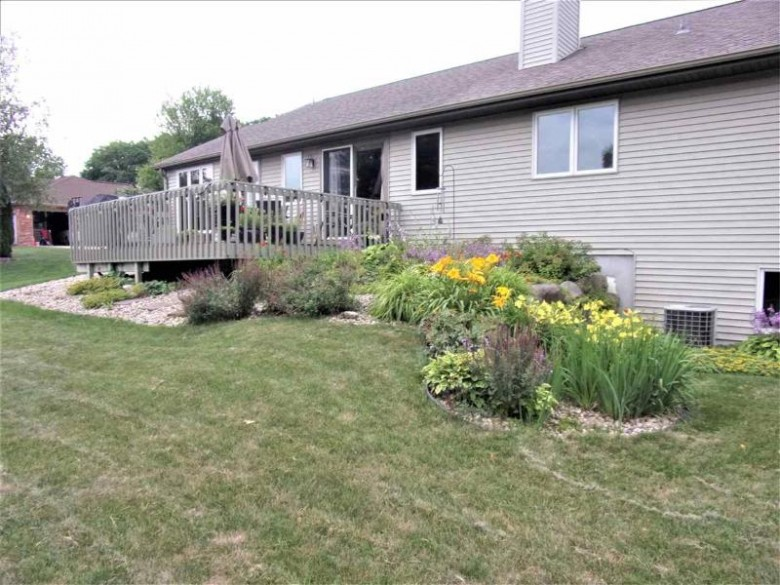 2436 St Albert The Great Dr Sun Prairie, WI 53590 by First Weber Real Estate $450,000