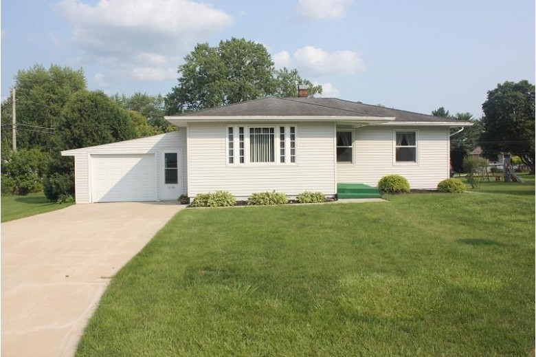 1045 Mound View Dr, Platteville, WI by Century 21 Affiliated $175,000