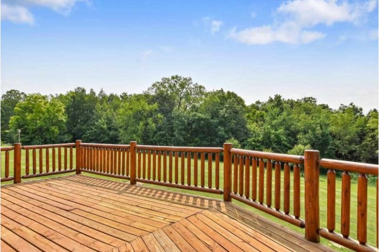 W10908 Thistledown Dr Lodi, WI 53555 by First Weber Real Estate $749,900