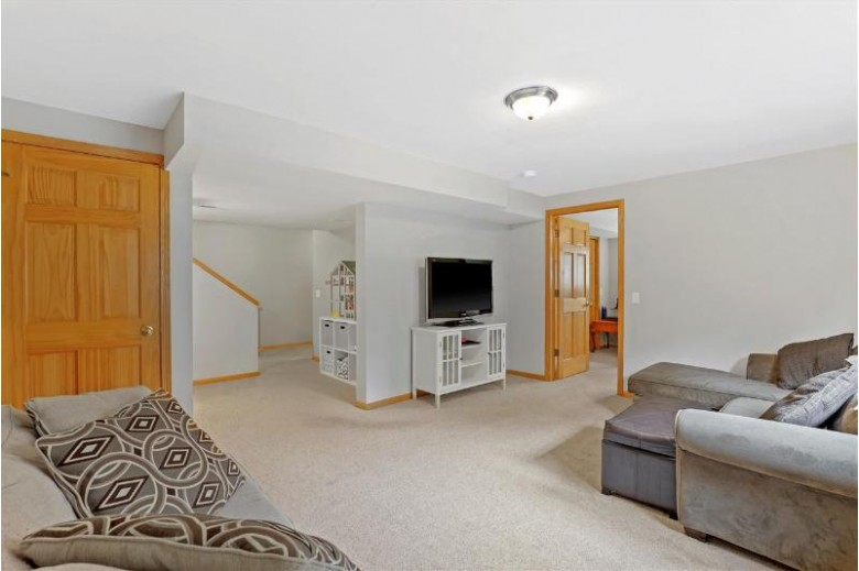5458 Quarry Hill Dr Fitchburg, WI 53711 by First Weber Real Estate $415,000