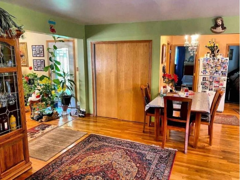 N8463 Valley Dr Wisconsin Dells, WI 53965 by First Weber Real Estate $275,000