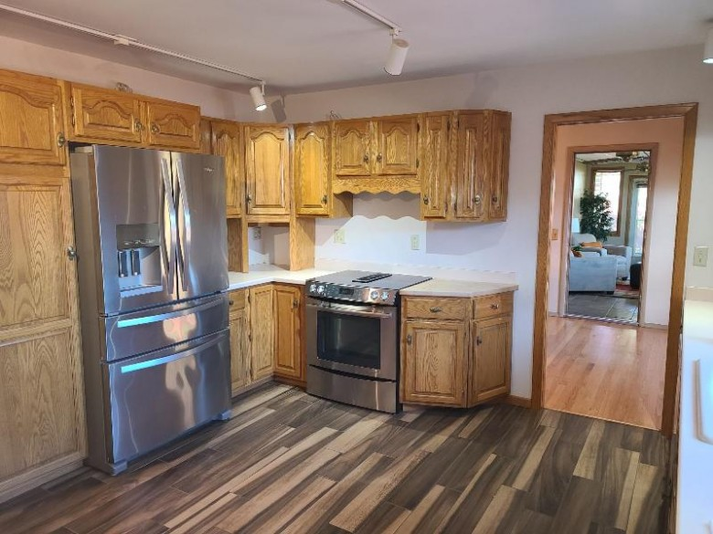 637 Odell St Madison, WI 53711 by Wynne Realty $449,900