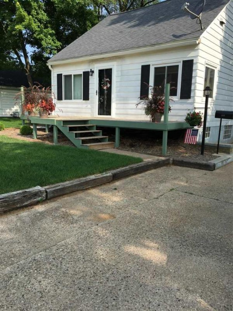 206 Wood Ave Nekoosa, WI 54457-1336 by Design Realty $169,000