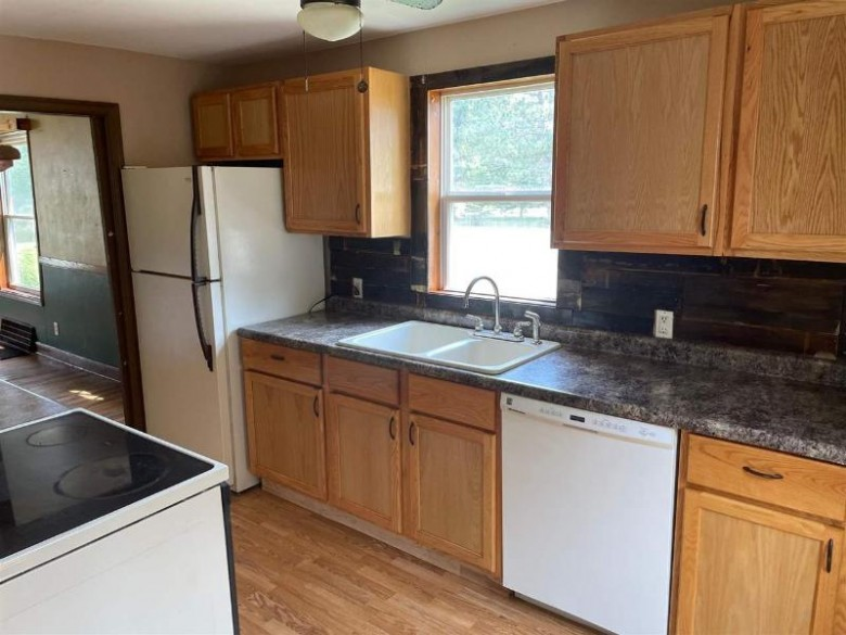 9140 County Road Z Nekoosa, WI 54457 by First Weber Real Estate $104,900