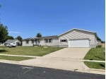 400 Overlook Terr Marshall, WI 53559 by Brad Bret Real Estate $275,000