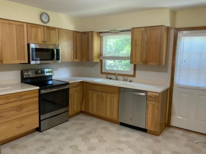 2877 Lakeside St Madison, WI 53711 by Century 21 Affiliated $287,500