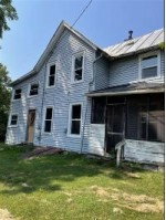 419 Ridge St, Baraboo, WI by Re/Max Realpros $135,000