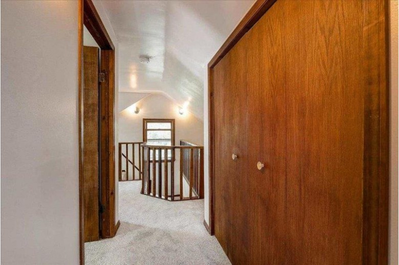 606 Miller Ave Madison, WI 53704 by Restaino & Associates Era Powered $399,900