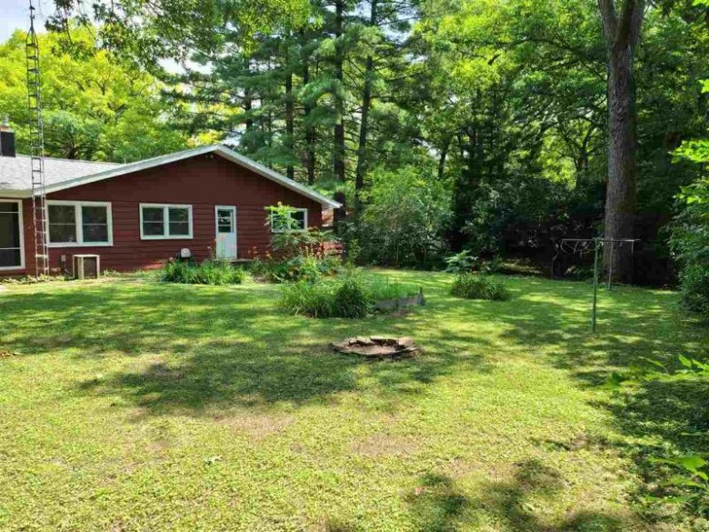 611 Shady Ln Pardeeville, WI 53954 by First Weber Real Estate $205,000
