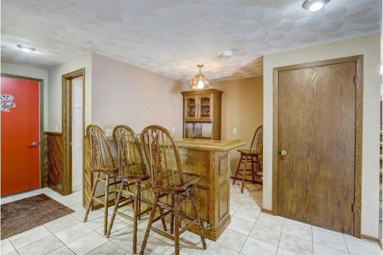 N3931 O'Connor Rd Columbus, WI 53925 by Restaino & Associates Era Powered $450,000
