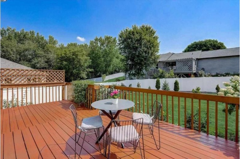 1221 Broadway Dr Sun Prairie, WI 53590 by Realty Executives Cooper Spransy $400,000
